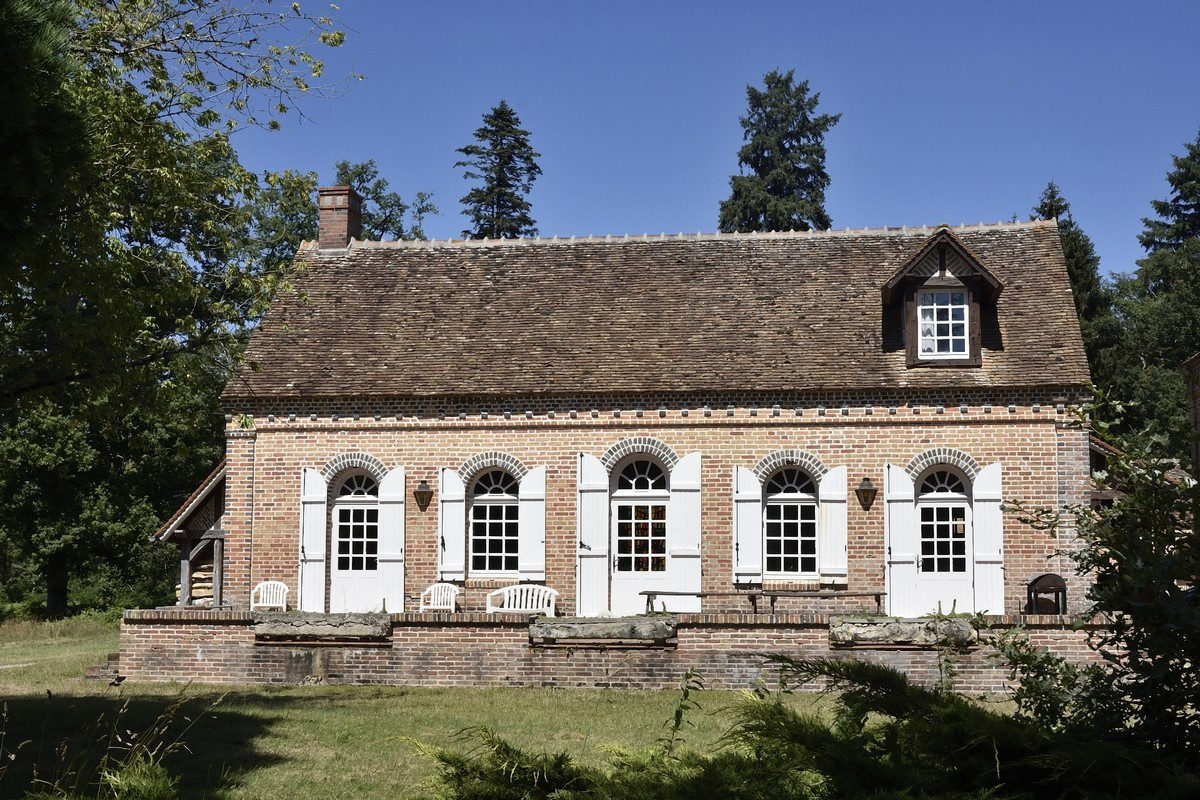 Pavillon Moreillon face